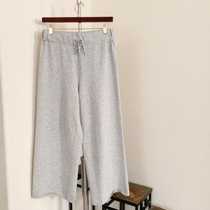 Aritzia Knit Grey Cropped Pants.